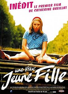 poster Une vraie jeune fille (1976)